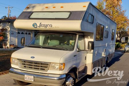 Cozy Renovated Jayco Designer series Class C - Mellow Family