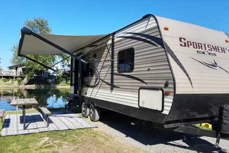 Venture in our Like New 23' Travel Trailer