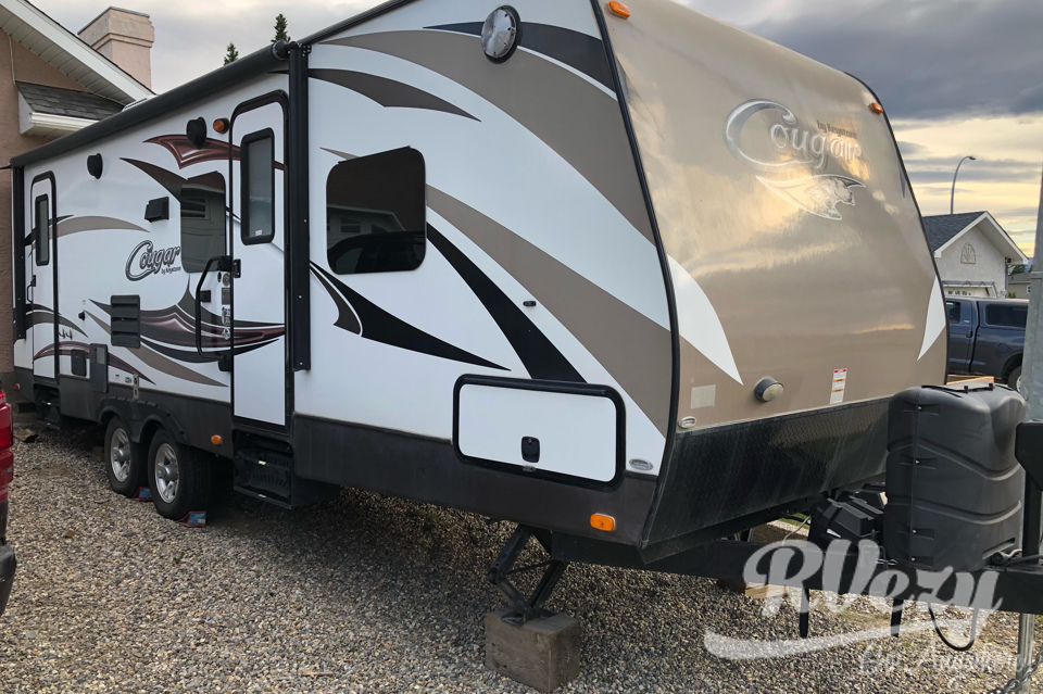Jon's 2016 Keystone 26DBHWE Travel Trailer in Hinton, Alberta