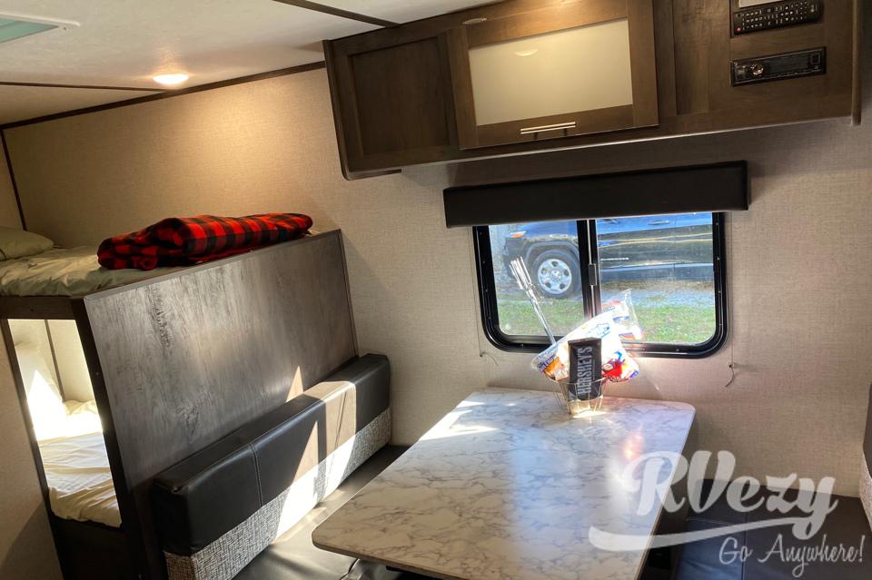 Rent my 2021 Dutchmen Coleman Lantern LT 17B RV from $69 ...