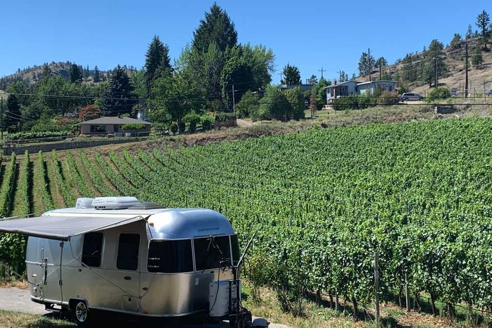 Airstream in the Vineyard - 2021 Booking Available Now in Kaleden, British Columbia