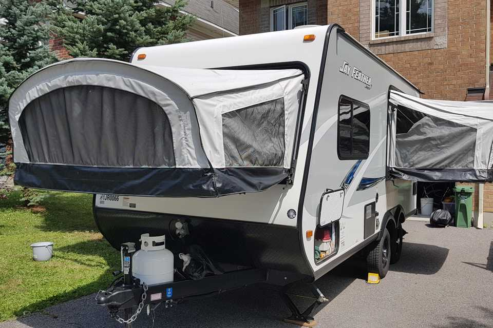 Jayco 2017 - 17XFD 3 beds in Ottawa, Ontario